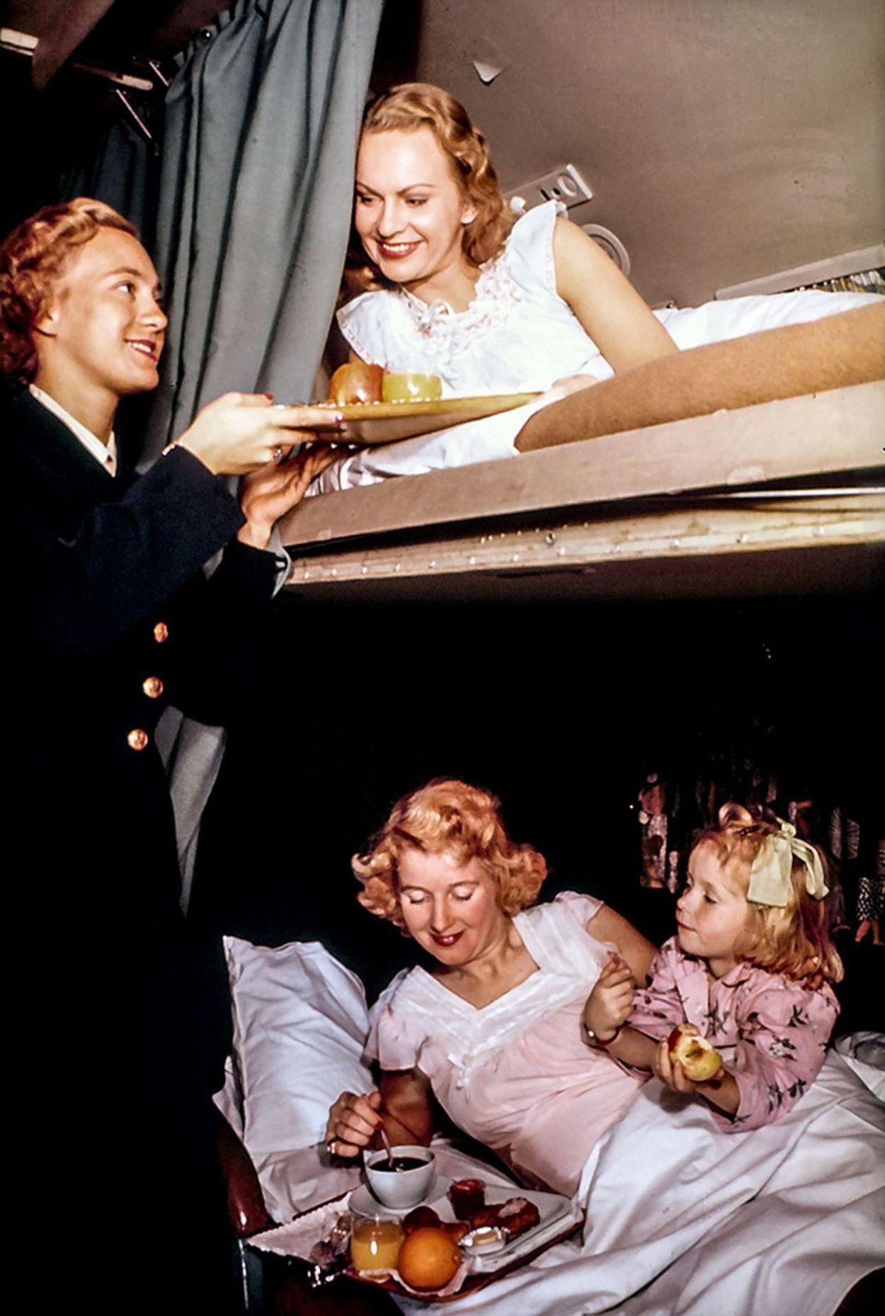 2 Scandinavian-Airlines-1955-sleeper